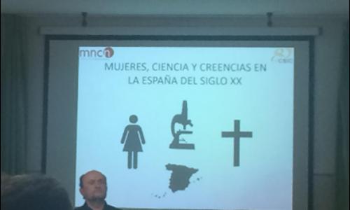 Visita del científico del CSIC, Alfonso Carrascosa, al colegio