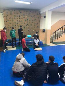 Curso de primeros auxilios impartido por los alumnos de TECO